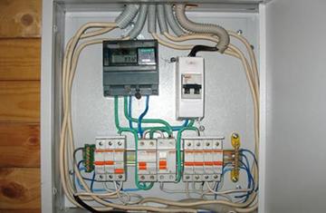 установка электросчетчика в доме