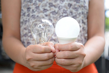 лампа накаливания и светодиод