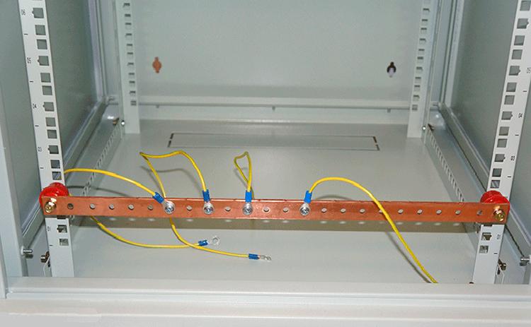 шина заземления с проводами