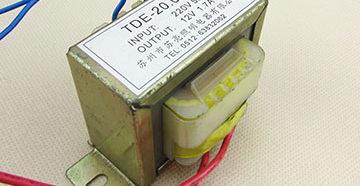 силовой трансформатор 220 В 12